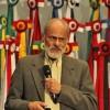"""Com o tema """"O poder curativo do Amor – evidências científicas"""", dr. Carlos Eduardo Tosta, imunologista e professor-emérito da Faculdade de Medicina da Universidade de Brasília (UNB), conversa com o público que o acompanha atentamente."""