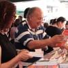 Alegria dos leitores gaúchos com a diversidade de títulos presentes em mais uma edição da Feira do Livro de Porto Alegre.