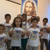 PETRÓPOLIS, RJ —As crianças registram com alegria sua participação na abertura do 16ª Fórum Internacional dos Soldadinhos de Deus, da LBV.