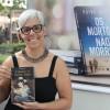 Porto Alegre, RS – A escritora e professora Cláudia Sepé, autografou o seu livro