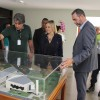 Brasília, DF - Acompanhada por guias de Turismo e pelo Admistraddor do Templo da Boa Vontade, Paulo Medeiros a sra. Vanessa Mendonça conhece oficialmente o monumento que é uma das 7 Maravilhas de Brasília e que vai completar 30 anos em outubro.