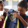 Baia Fomosa,RN - Para as crianças, o kit é uma motivação para que prossigam com os estudos, longe dos perigos das ruas; para os pais, os materiais pedagógicos são uma importante ajuda financeira, aliviando o orçamento de muitas famílias.