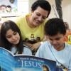 Porto Alegre, RS — Os Soldadinhos de Deus, da LBV, não perderam tempo e já começaram a leitura do livro