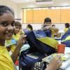 Manaus/AM - Assim que receberam os kits pedagógicos as crianças já abriram a mochila para conferir os materiais recebidos pela LBV. Olha a alegria deles!