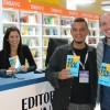 A partir da esquerda: Belen de Urquiza (vendas), Yanina Brenta (produção editorial) e Sebastián Davalos (responsável pelo Comercial da Editorial Dunken).