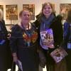 Membros da Delegação da Ucrânia na Conferência recebem a publicação da LBV