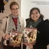 Amy Matthews, membro da Delegação da Inglaterra, recebe de Adriana Parmegiani, da LBV, a revista BOA VONTADE Mulher.