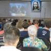 Uberlândia/MG - Cristãos do Novo Mandamento de Jesusacompanhamas palavras do presidente-pregador da Religião Divina, José de Paiva Netto.