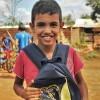 Aparecida de Goiânia, GO — Com alegria, criança atendidaleva a para casa um incentivo amais para os estudos, com o Kit de material pedagógico da LBV.