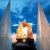 Un des événements spéciaux, qui ont précédé l'ouverture définitive des portes du monument dédié à la Solidarité Œcuménique, a été la pose, le 1er juin 1989, au pinacle de la Pyramide à sept faces qui constituent la Nef du Temple de la Bonne Volonté, de celle qui est considérée par les médias la plus grande pierre de cristal pur du monde (approximativement 21 kilos).