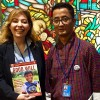 Nova York, EUA —Osr. Thinley Namgyel,secretário da Comissão de Felicidade Nacional Bruta do Butão,recebeu a publicação da LBV das mãos de Adriana Parmegiani, representante da LBV.