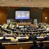 """Nova York, EUA — Autoridades internacionais e líderes de governos de todo o mundo se reúnem na sede das Nações Unidas para debater o tema """"Do global ao local: apoiando sociedades sustentáveis e resilientes em comunidades urbanas e rurais""""."""