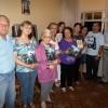 PARANAGUÁ, PR — Família feliz ao receber a mensagem fraterna e ecumênica da Religião do Amor Fraterno em seu lar.
