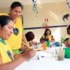 VIVENCIA SOLIDARIA (Brasil) —Coopera con el fortalecimiento de vínculos comunitarios entre jóvenes y adultos (de 18 a 59 años), por medio de actividades en grupo y acciones culturales. Se trabajan temas como violencia doméstica, dependencia química en la familia, políticas públicas, entre otros. Los atendidos reciben también información sobre sus derechos, con el fin de fortalecer su ciudadanía.
