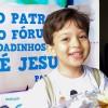 Belo Horizonte, MG —Dentre as atividades deste Fórum, os Soldadinhos de Deus participaram de uma ação de vivência de valores éticos, ecumênicos e espirituais, doando alguns de seus brinquedos para uma iniciativa solidária junto à comunidade. O João Pedro, de 4 anos, trouxe a sua contribuição. Parabéns!