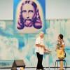 Apresentações teatrais e de dança, em que os jovens expressam por meio da arte a abrangência universal dos ensinamentos do Divino Mestre.