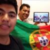 Porto/Portugal — O casal Vanderlei Ângelo e Catarinae o filho Lucas acompanham as palavras do Irmão Paiva Netto, na conclusão do 43º Fórum Internacional da Juventude Ecumênica da Boa Vontade de Deus.