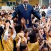 El educador Paiva Netto, durante una de sus constantes inspecciones al Instituto de Educación de la Legión de la Buena Voluntad en São Paulo, Brasil. La foto histórica fue publicada en la revista Veja, en 1994.