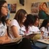 São Paulo, SP — Jovens de todas as idades acompanham leitura da versão revista e ampliada do livro