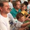 São Paulo. SP—Com atenção, a garotada e as famílias presentes na Igreja Ecumênica da Religião do Amor Fraterno acompanham as palavras do Irmão Paiva Netto.