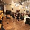 QUARTA-FEIRA, 26 — Coral Ecumênico e o Grupo de Instrumentistas Infantojuvenil Boa Vontade dão as boas-vindas ao público com canções que promovem a Cultura de Paz.