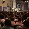 QUINTA-FEIRA, 27 — Público acompanha a palestra da fonoaudiólogaNoemi Takiuchi, com o tema