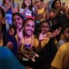 São Paulo, SP — Meninas e meninos acompanhavam o espetáculo musical com palmas, sorrisos e muita animação. =D