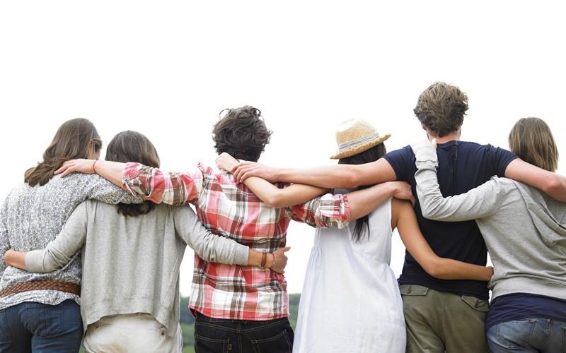 Resultado de imagen de amigos espaldas
