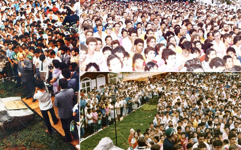 Aspectos da inauguração da Supercreche Jesus, na capital bandeirante, em 25 de janeiro de 1986: uma multidão toma conta do local durante o pronunciamento do dirigente da LBV.
